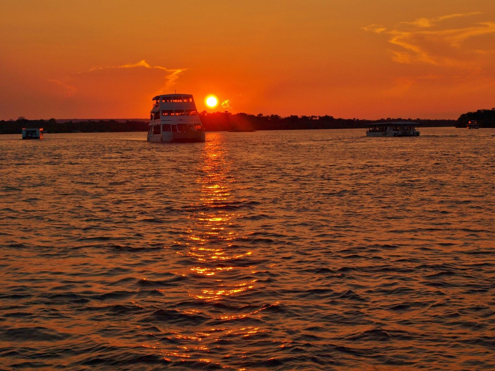 Večerná plavba po Zambezi
