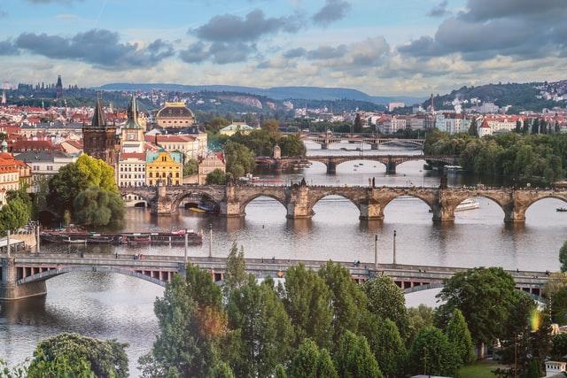 Rozprávkový výhľad na mosty v Prahe