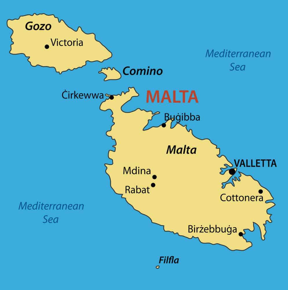 Modré ako voda a silueta ostrovov malta, comino a gozo, prevedenie mapy
